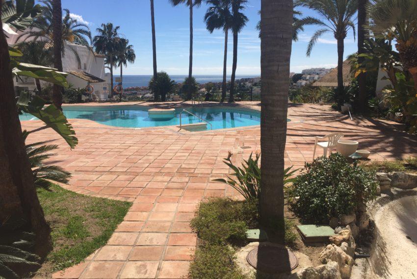 swimming pool seaviews