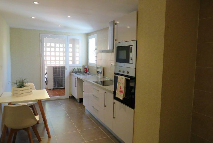 apartament-sell-alcaidesa-kitchen-6