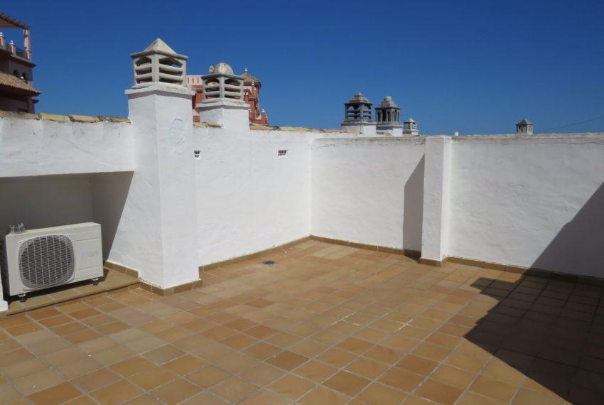 duquesa-golf-urbanization-buy-penthouse-sea-views-two-terraces-solarium-bargain-price-manilva-top-terrace