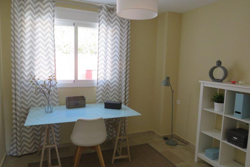 groundfloor-sell-alcaidesa-office-bedroom-11