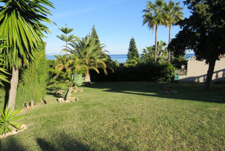 Buy-a-wonderfull-villa-in-hacienda-guadalupe-spain