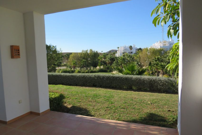 Ground-floor-to-sell-in-alcazaba-lagoon-spain-views