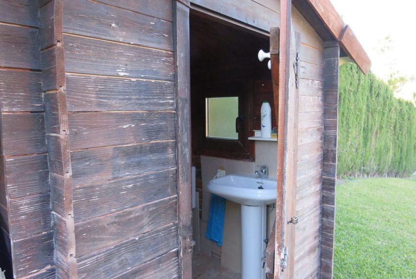 Villa-hacienda-guadalupe-in-sell-bathroom-outdoor.