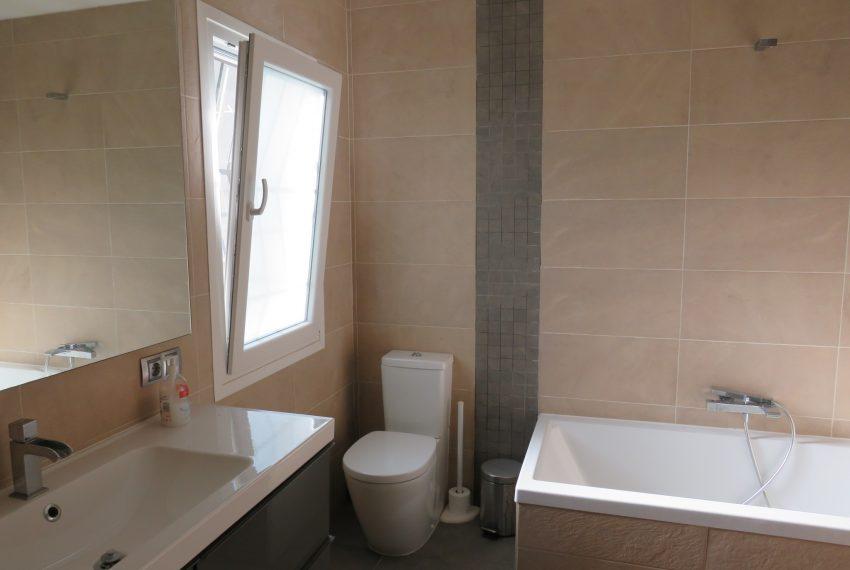 Villa-hacienda-guadalupe-in-sell-main-bathroom