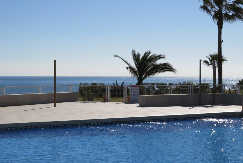 buy-a-property-ground-floor-casares-beach-spain-swimming-pool&sea