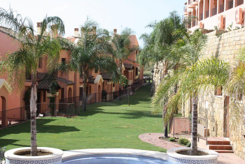 buy-townhouse-ibergolf-seaviews-estepona-complex-garden