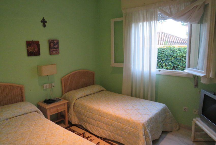 buy-villa-sotogrande-bedroom-two-beds