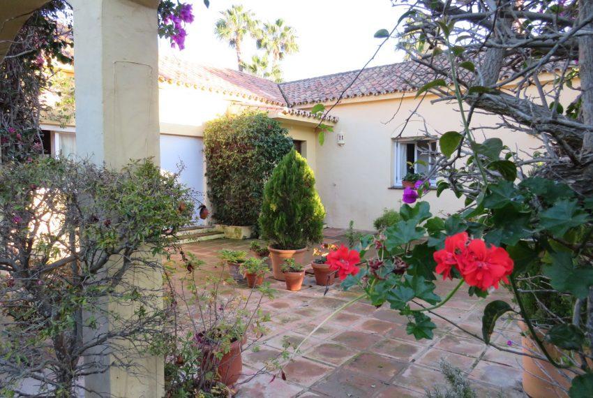 buy-villa-sotogrande-garden-view-spain