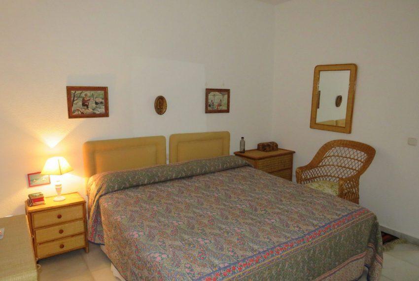 buy-villa-sotogrande-main-bedroom-view