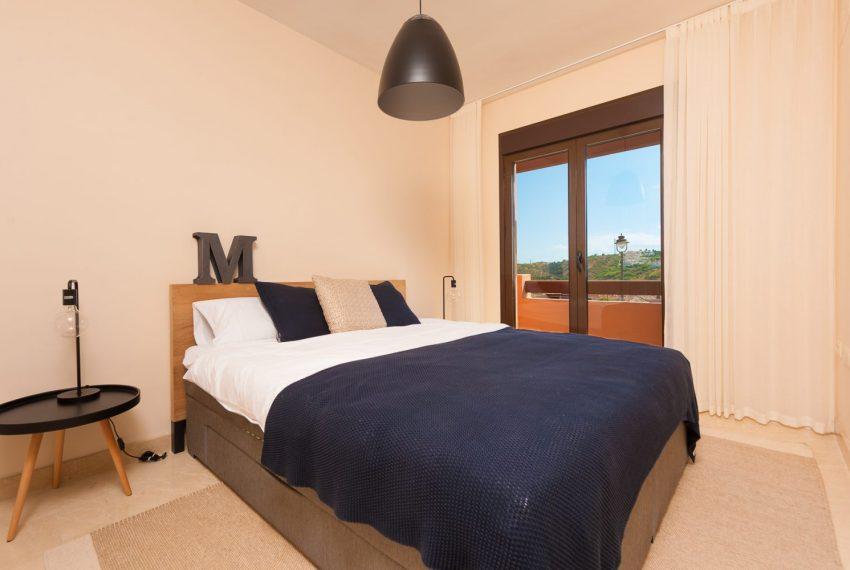 ibergolf-townhouse-buy-gof-seaviews-bedroom-estepona