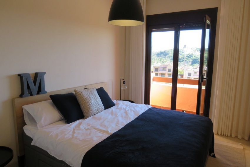 selling-townhouse-in-spain-estepona-spain-bedroom-m