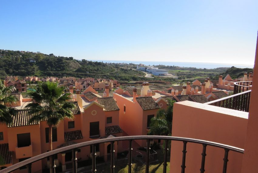 selling-townhouse-in-spain-estepona-spain-view-from-stairs
