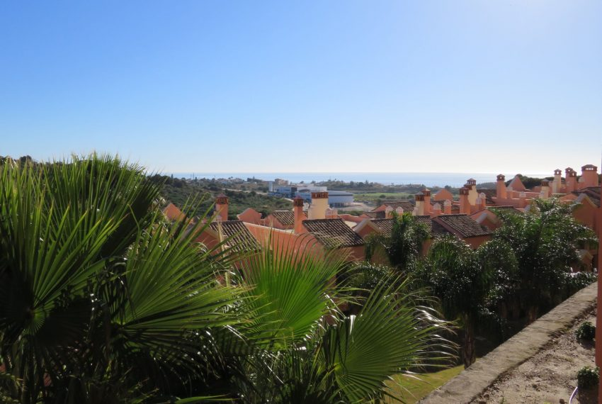 selling-townhouse-in-spain-view-urbanization-and-sea