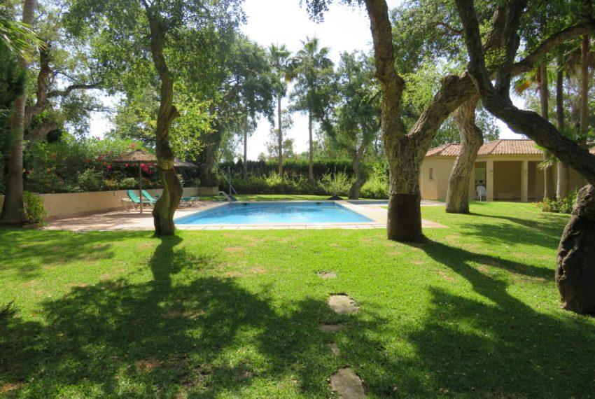 villa-to-buy-sotogrande-all-bedrooms-in-one-floor-terrace-swimming-pool