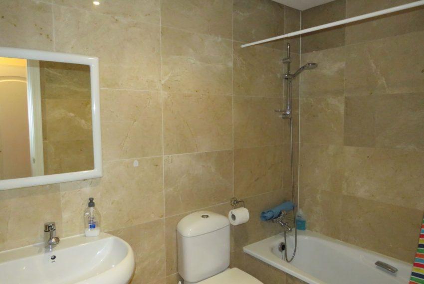 bathroom-groundfloor-duquesa-buy