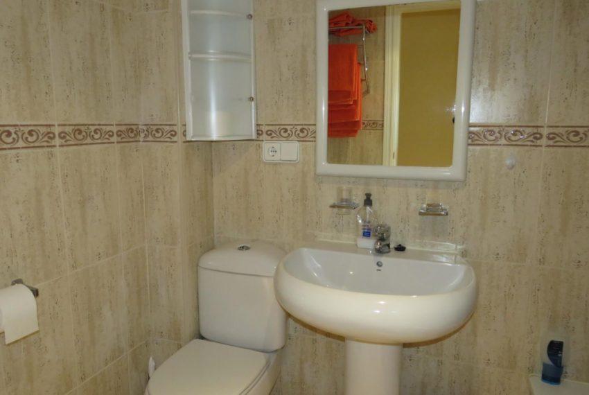 fuentes-bajo-bathroom-buy