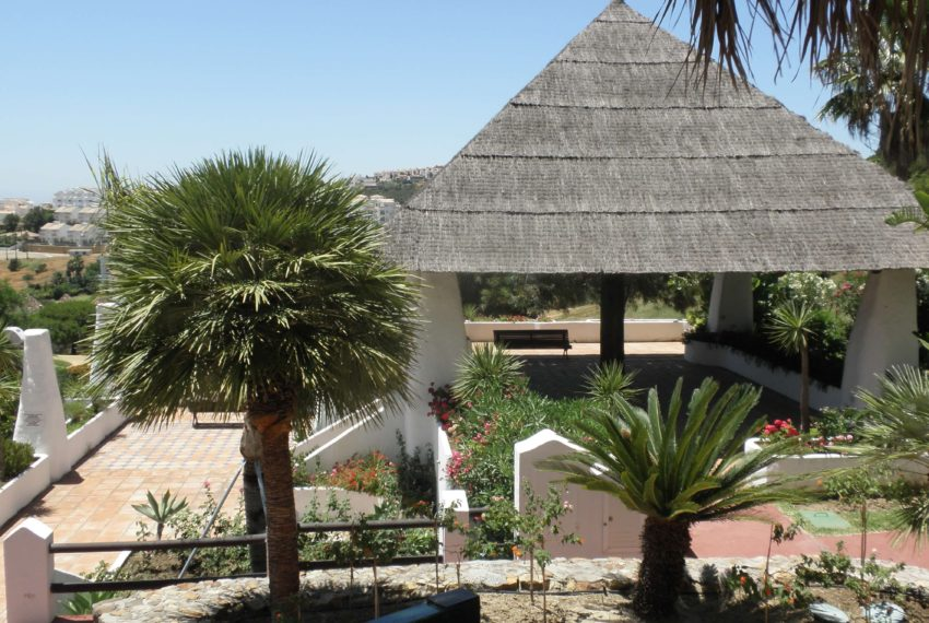 Fuentes-duquesa-apartment-to-buy-near-golf-rest-area-2