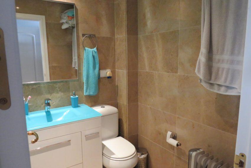 fuentes-duquesa-apartment-to-buy-en-suite-bathroom-2