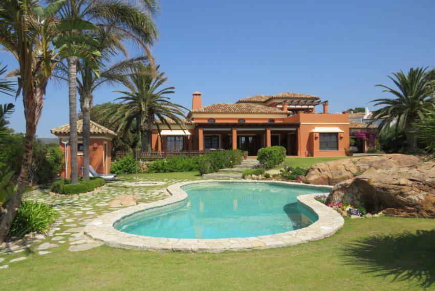 Duquesa-villa-to-buy-wiht-stunning-sea-golf-views-private-garden-entrance-pool