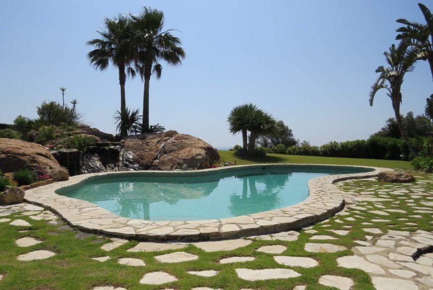 Duquesa-villa-to-buy-wiht-stunning-sea-golf-views-private-garden-entrance-swimmingpool