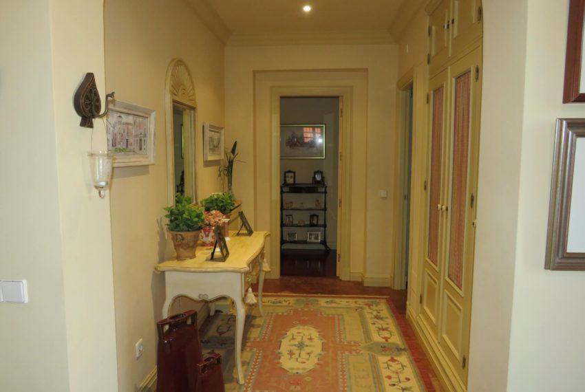 Duquesa-villa-to-buy-wiht-stunning-sea-golf-views-private-garden-entrance-toilets-pool-right-corridor