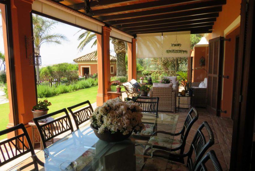 Duquesa-villa-to-buy-wiht-stunning-sea-golf-views-private-garden-entrance-toilets-pool-terrace