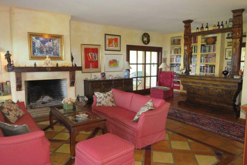 villa-to-buy-duquesa-golf-manilva-spectacular-sea-views-south-orientation-corner-terrace-chimney