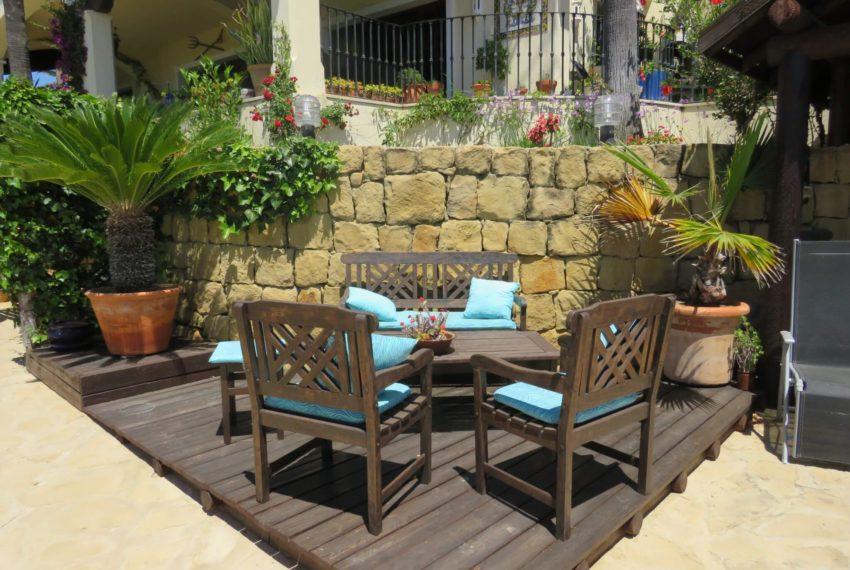 villa-to-buy-duquesa-golf-manilva-spectacular-sea-views-south-orientation-corner-terrace-cocktail