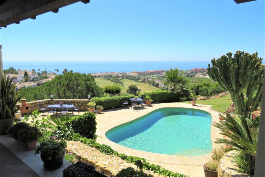 villa-to-buy-duquesa-golf-manilva-spectacular-sea-views-south-orientation-corner-terrace-pool-poots