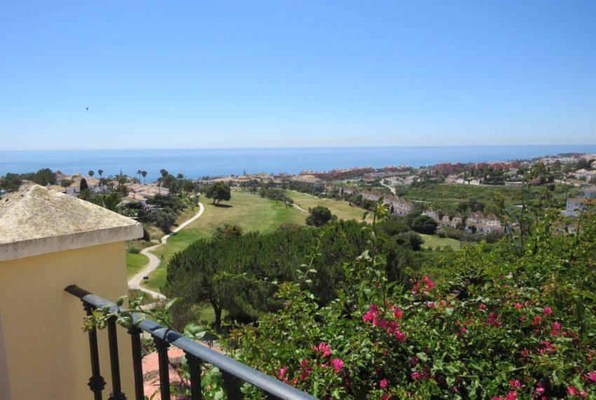 villa-to-buy-duquesa-golf-manilva-spectacular-sea-views-south-orientation-corner-terrace-top