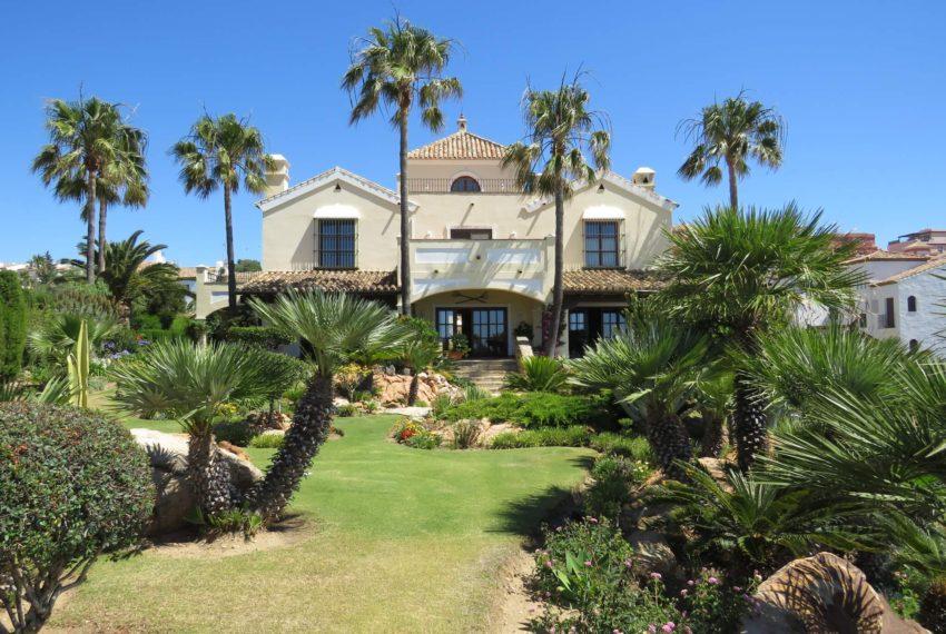 villa-to-buy-duquesa-golf-manilva-spectacular-sea-views-south-orientation-house-from-garden
