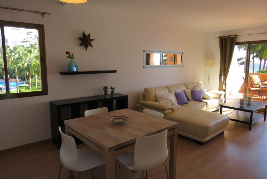 3bedrooms-apartment-buy-sea-views-very-first-line-beach-walking-distance-Estepona-port-lounge-entrance