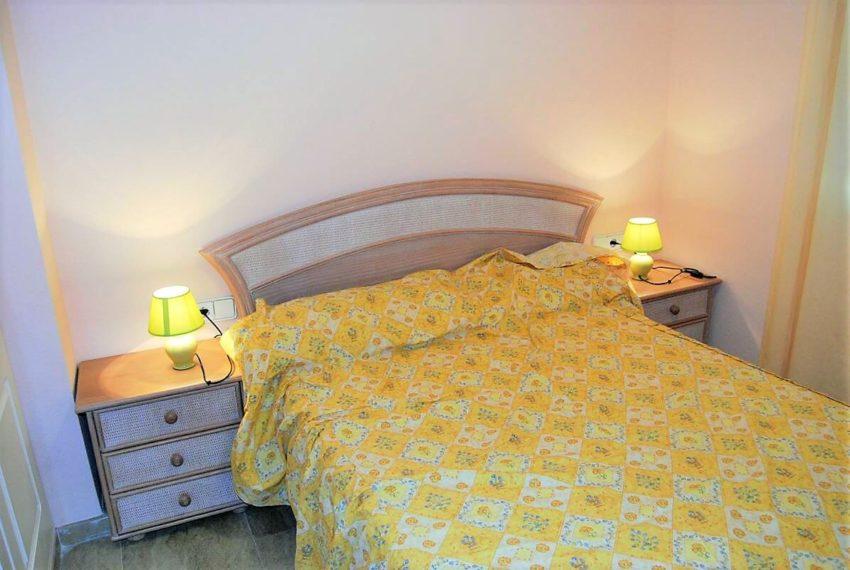 Marina-duquesa-manilva-spain-costa-del-sol-port-palm-sun-rent-bedroom-doublebed