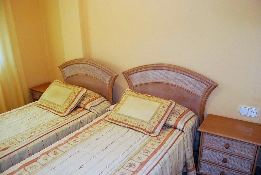 Marina-duquesa-manilva-spain-costa-del-sol-port-palm-sun-rent-bedroom-singlebeds