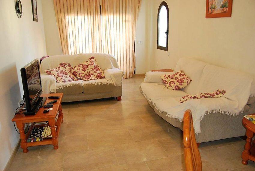 Marina-duquesa-manilva-spain-costa-del-sol-port-palm-sun-rent-lounge