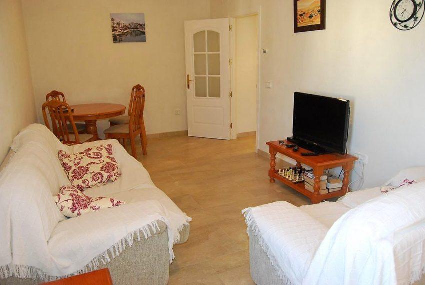 Marina-duquesa-manilva-spain-costa-del-sol-port-palm-sun-rent-lounge-tv