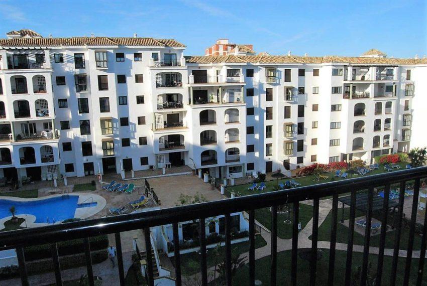 Marina-duquesa-manilva-spain-costa-del-sol-port-palm-sun-rent-view-pool