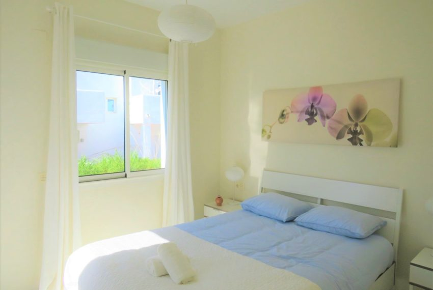 new-promotion-estepona-golf-valle-romano-residencial-bedroom