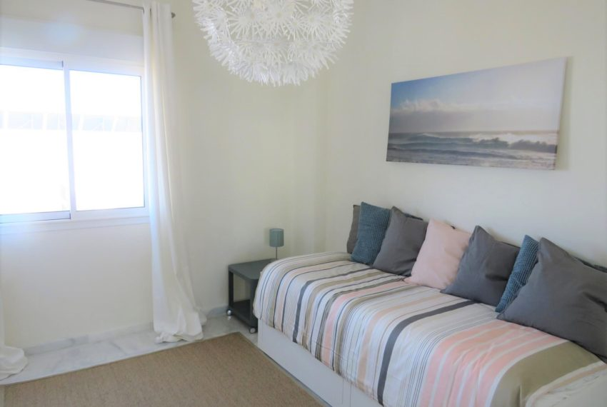new-promotion-estepona-golf-valle-romano-residencial-bedroom-bedroom2