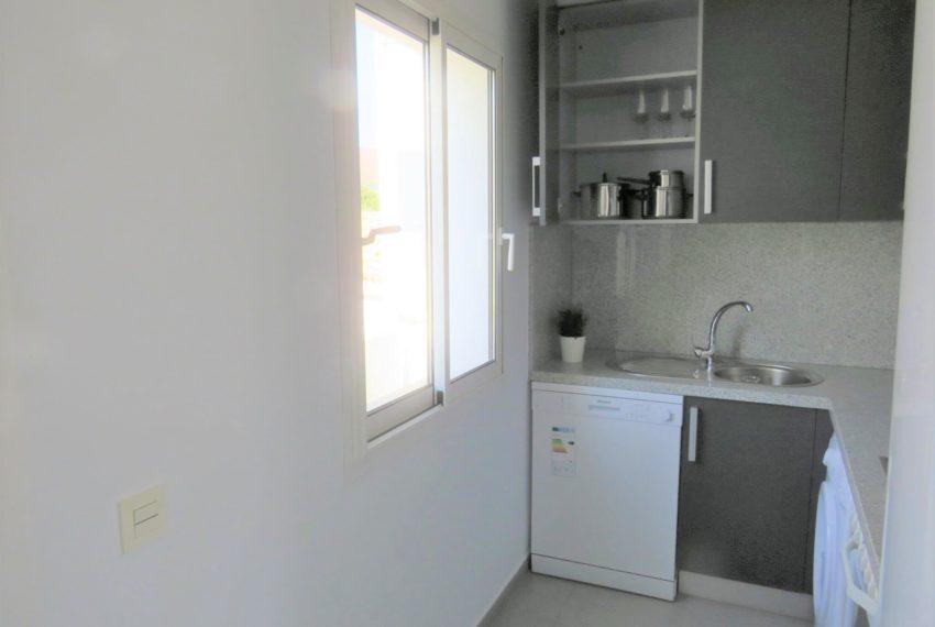 new-promotion-estepona-golf-valle-romano-residencial-bedroom-kitchen