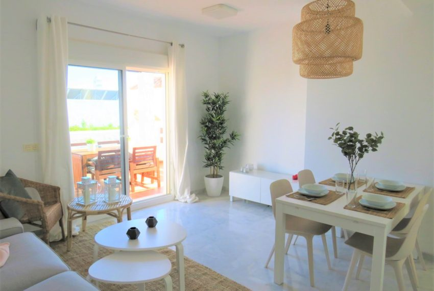 new-promotion-estepona-golf-valle-romano-residencial-bedroom-living-room