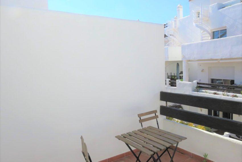 new-promotion-estepona-golf-valle-romano-residencial-bedroom-terrace
