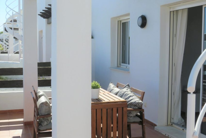 new-promotion-estepona-golf-valle-romano-residencial-bedroom-terrace-3