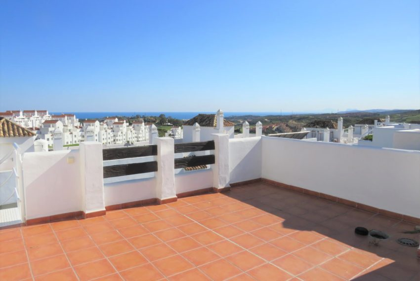 new-promotion-estepona-golf-valle-romano-residencial-bedroom-terrace-penthouse