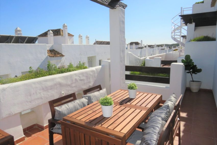 new-promotion-estepona-golf-valle-romano-residencial-bedroom-terrace2
