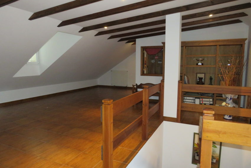 house-sotogrande-buy-spacious-good-quality-underground-parking-place-basement-4bedrooms-attic