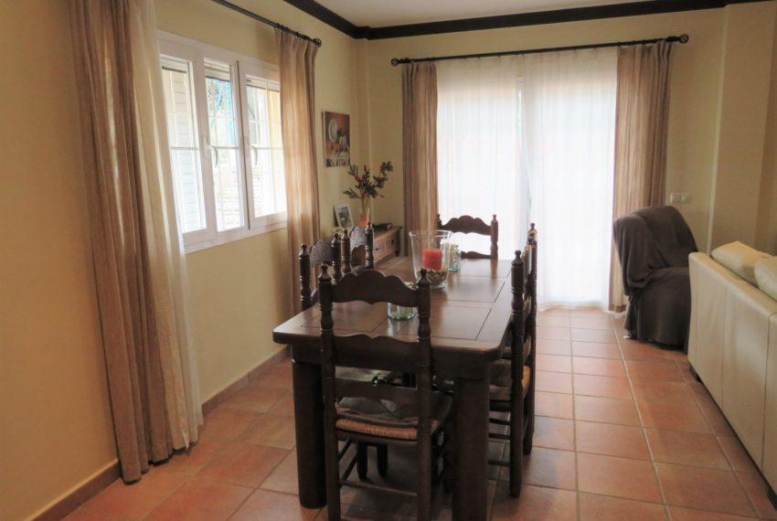 house-sotogrande-buy-spacious-good-quality-underground-parking-place-basement-4bedrooms-dinning-table