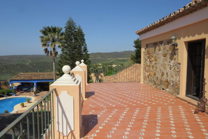manilva-villa-buy-see-views-garden-swimming-pool-main-terrace-2