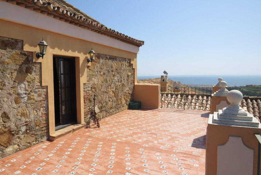 manilva-villa-buy-see-views-garden-swimming-pool-main-terrace