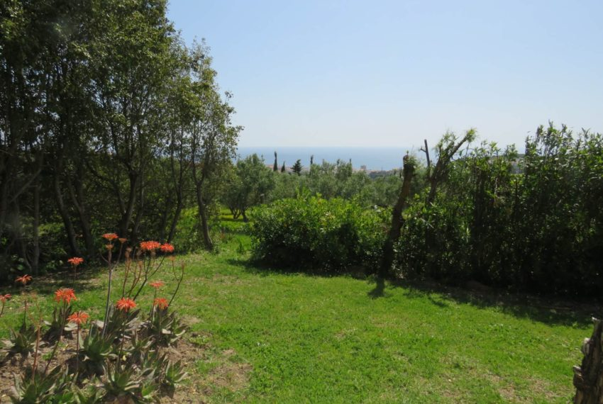 manilva-villa-buy-see views-swimming-pool-graden-terrace